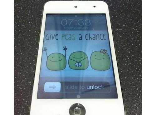 white-ipod-touch
